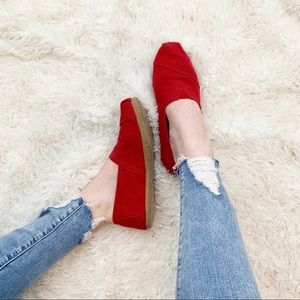 Red Woman's Toms